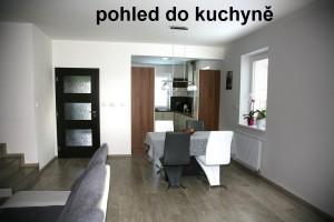 6-pohled-do-kuchyně_1